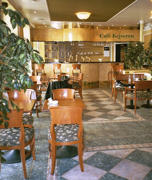 cafe_kejseren_luxurious_restaurant