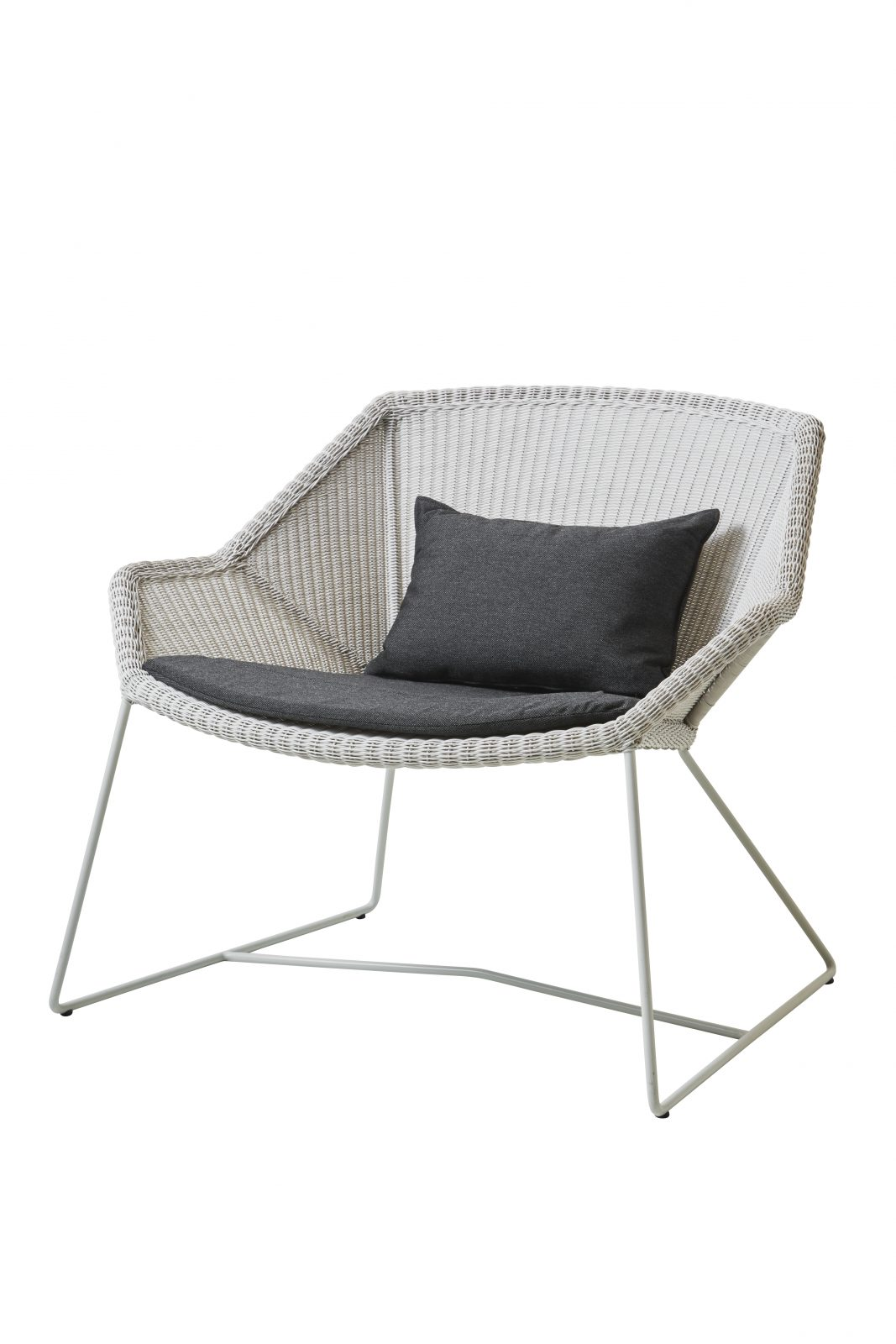 cane line breeze lounge chair available at nordic urban in. Black Bedroom Furniture Sets. Home Design Ideas