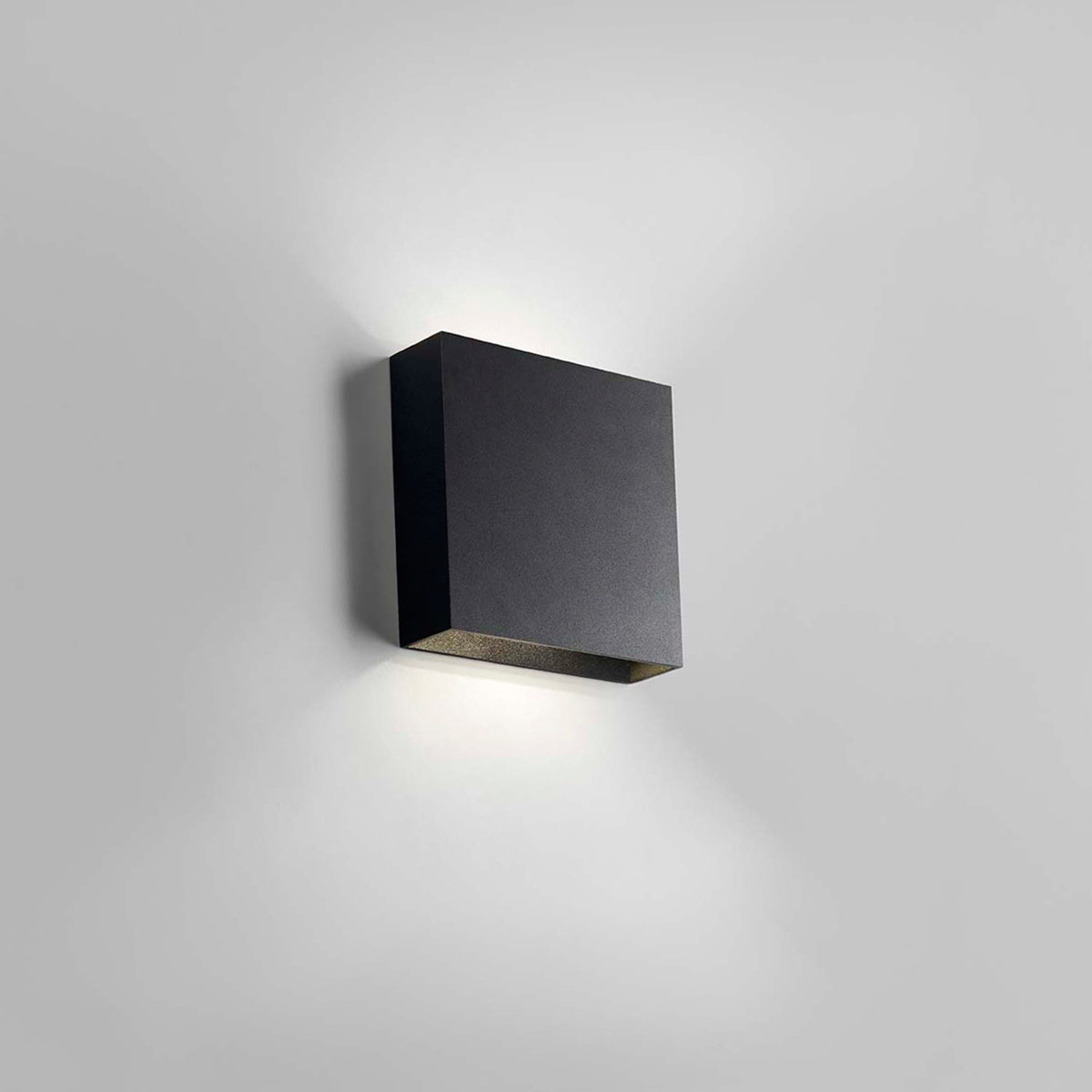 Light Point Compact Wall Lamp