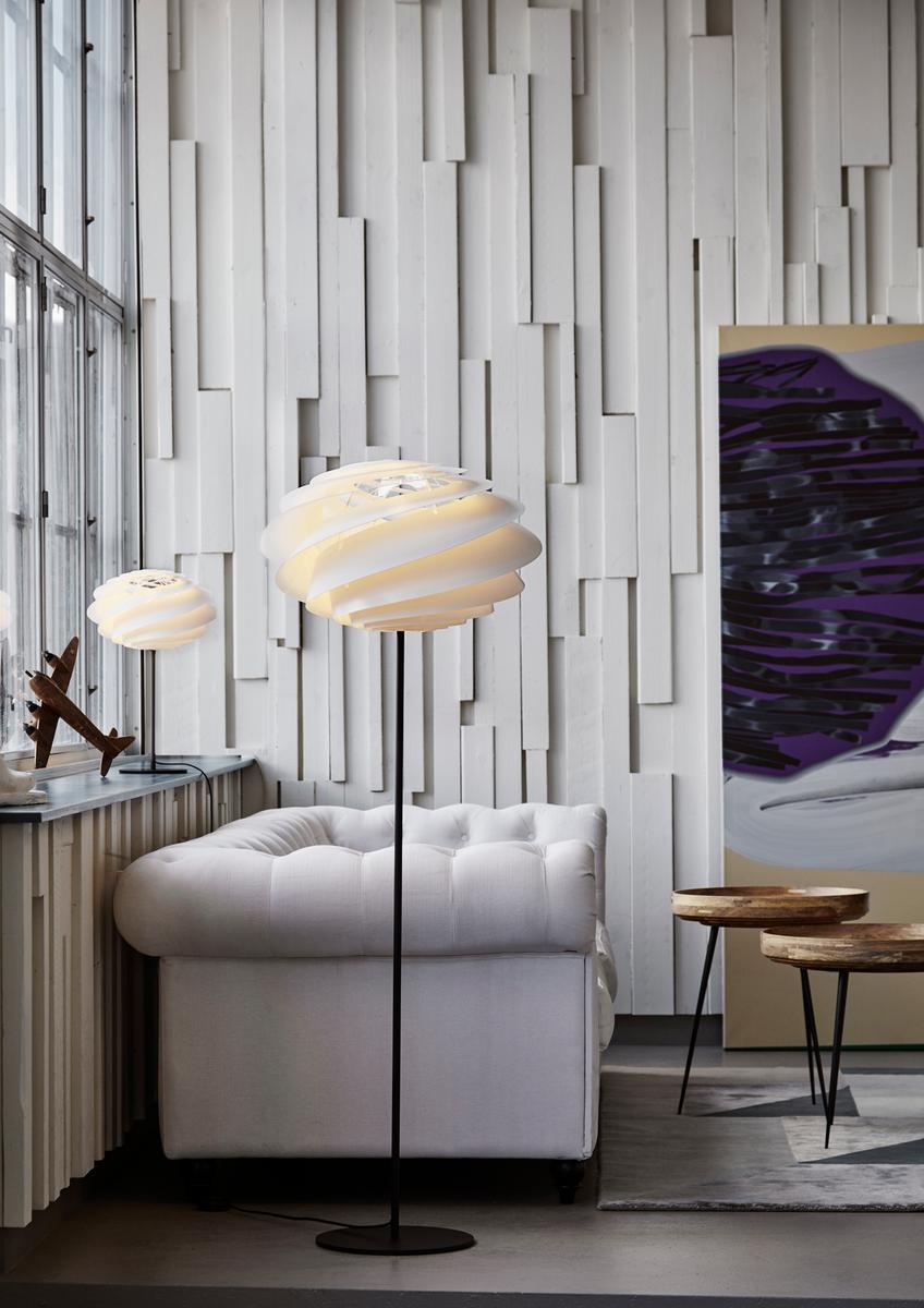Le klint swirl tisch und stehleuchte nordic urban gmbh for Tisch nordic design