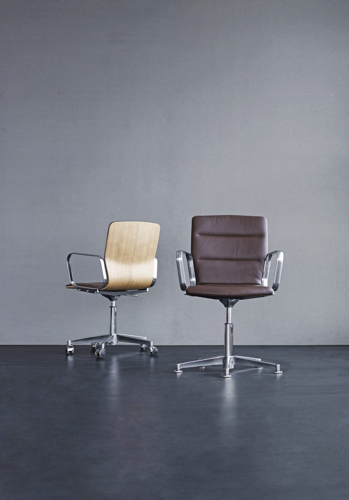 Magnus Olsen - Butterfly Swivel Office Chair