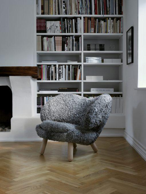 Pelican Chair – Gotland Sheepskin_9